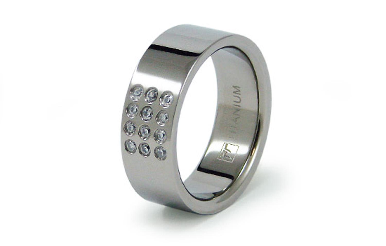 Titanium Flat Band CUBIC ZIRCONIA Ring