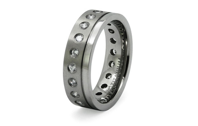 Titanium CUBIC ZIRCONIA Satin Finish Ring